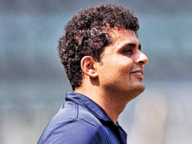 रीतिंदर सोढ़ी 1998 आईसीसी अंडर-19 क्रिकेट वर्ल्ड कप में खेलने के कारण चर्चा में आए थे. लेकिन 18 इंटनेशनल वनडे मैच खेलने के बाद ही उनका सफर थम गया.उन्होंने 69 प्रथम श्रेणी मैचों में 3680 रन बनाने के अलावा 102 विकेट लिए हैं. वैसे उनके साथ उसी विश्व कप में हिस्सा रहे हरभजन सिंह और वीरेंद्र सहवाग से हर कोई परिचित है.
