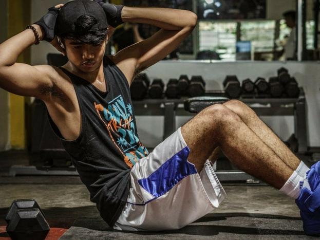 अगर आप पहली बार जिम जा रहे हैं तो कम से कम शोल्डर और बैक की ज्यादा एक्सरसाइज से बचें.