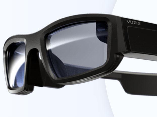 <strong>Vuzixग्लासेस</strong><br />Vuzix नाम की कंपनी के ऐसे ग्लासेस पेश किए हैं. जो गूगल के ग्लासेस को टक्कर देंगे. इन ग्लासेस में कैमरा, माइक्रोफोन के साथ एक साइड टच पैड दिया है. इसके साथ यह ग्लासेस डिजिटल असिस्टेंट अलेक्सा सपोर्ट करते हैं.