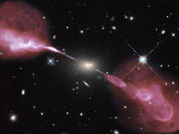 हरक्यूलिस ए आकाशगंगा में ब्लैक होल की भयानक विनाशकारी शक्ति का प्रदर्शन करती तस्वीर.<strong>(image credit: NASA)</strong>