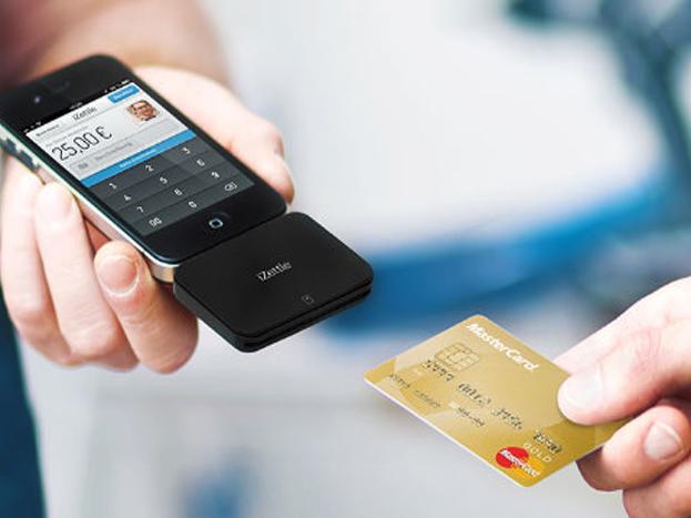 सिक्योरिटी फर्म का कहना है कि यह वायरस यूजर्स के क्रेडिट कार्ड डिटेल्स, निजी तस्वीरें, डॉक्यूमेंट्स को हाइजैक कर रहा है. <strong>अगली स्लाइड में पढ़िये कैसे स्मार्टफोन को बना रहा है निशाना?</strong>