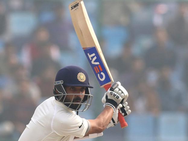 रोहित vs रहाणे: वहीं अगर हम रहाणे की बात करें तो उन्होंने 17 मैचों 54.67 के एवरेज से 1312 रन जोड़े. जिसमें 4 शतक और 7 अर्धशतक शामिल हैं. जोकि रोहित से कई गुना बेहतर है.