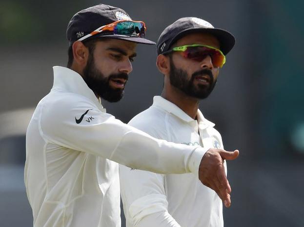 केपटाउन में खेले गये पहले टेस्ट में टीम इंडिया को करारी हार का सामना करना पड़ा था, जिसमें हार की वजह टीम के सिलेक्शन को काफी हद तक माना गया. ख़ासकर पहले टेस्ट की प्लेइंग इलेवन में उप-कप्तान अजिंक्य रहाणे को जगह न मिलना. ऐसा अनुमान लगाया जा रहा था कि कप्तान कोहली ये चूक दोबारा नहीं करेंगे लेकिन टीम में बदलाव करने के बावजूद उन्होंने एक बार फिर रहाणे को मौक़ा नहीं दिया.