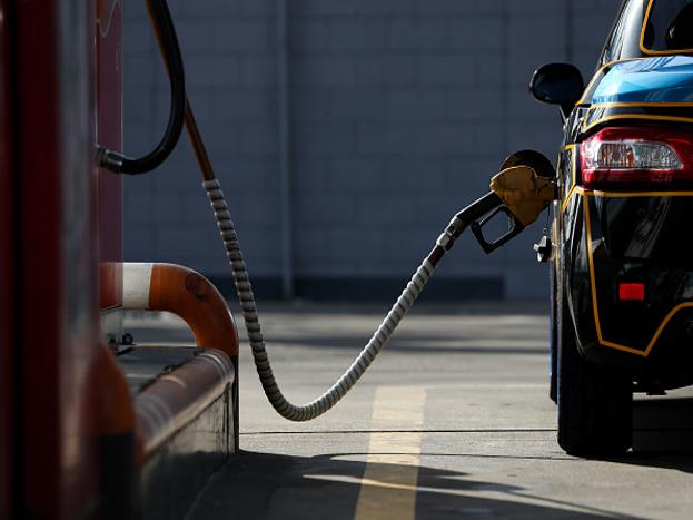 (11) मलेशिया में पेट्रोल के दाम 33.31 रुपये प्रति लीटर है.