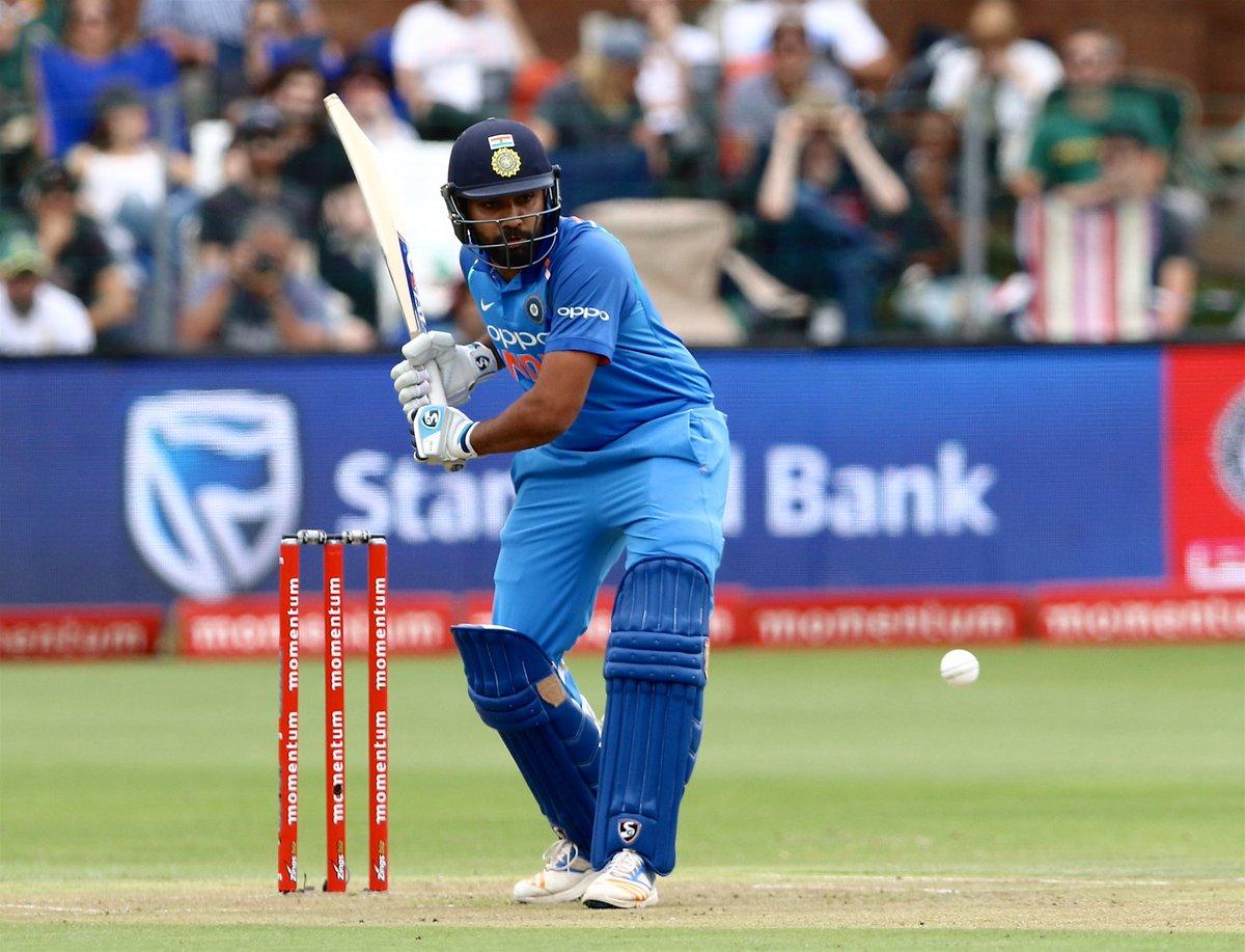 रोहित शर्मा का शतक उस मैदान पर आया है जहां किसी भारतीय बल्लेबाज ने कभी शतक नहीं जड़ा. पोर्ट एलिजाबेथ में शतक लगाने वाले रोहित शर्मा पहले भारतीय बल्लेबाज हैं. इससे पहले विराट कोहली और राहुल द्रविड़ ने यहां अर्धशतक लगाया है. आपको बता दें रोहित के शतक की बदौलत टीम इंडिया पहली बार इस मैदान पर 200 रन बनाने में कामयाब हो सकी है.