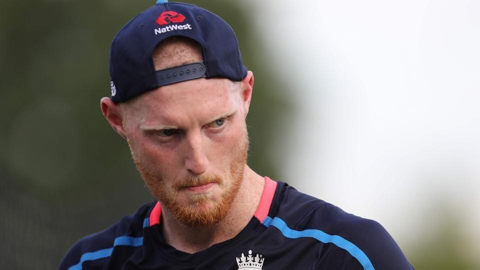 वैसे अभी तक हैमिल्टन वनडे के लिए इंग्लैंड ने अपनी टीम नहीं चुनी है. जबकि बेन स्टोक्स ने अभ्यास मैच भी नहीं खेला है. इसके बाद भी कप्तान इयोन मोर्गन ने इशारा किया है स्टोक्स टीम में शामिल हो सकते हैं. मोर्गन ने कहा,'वह अच्छी फार्म में दिखता है, जब से वह जुड़ा है तब से मैदान पर काफी अभ्यास कर रहा है और यह देखना शानदार है. यह लंबे समय में उनका पहला मैच होगा.'