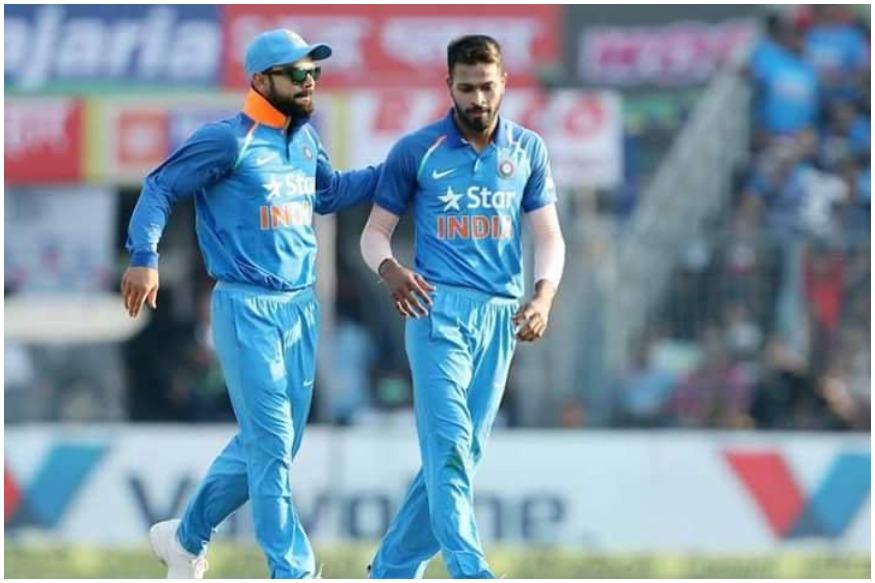 गेंद से हार्दिक पांड्या का प्रदर्शन और बेकार रहा है. पांड्या ने इस दौरे पर 10 पारियों में 5 ही विकेट लिए हैं और उनका औसत रहा है 77.25. वनडे सीरीज में पांड्या ने 4 मैच में 2 ही विकेट झटके हैं. साथ ही उन्होंने हर ओवर में 5.88 की दर से रन खर्चे हैं.