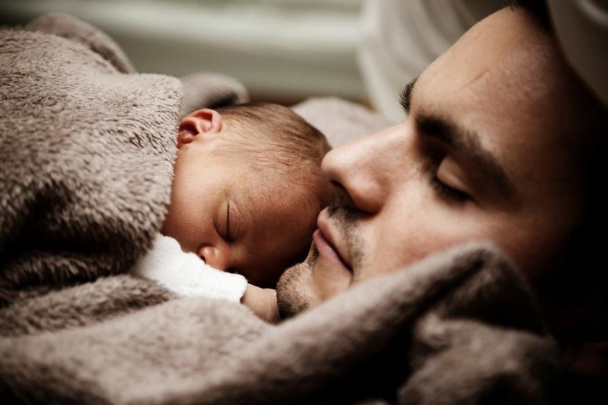 पिता अगर तनाव में है तो होने वाले बच्चे के दिमाग पर पड़ सकता है बुरा असर