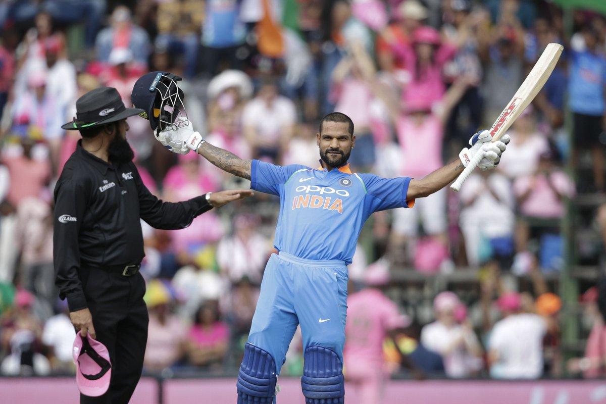 पोर्ट एलिजाबेथ वनडे में शिखर धवन ने पहली स्ट्राइक ली. शिखर ने अपने वनडे करियर में सिर्फ पांचवीं बार पहली गेंद खेली है. साल 2010 में ऑस्ट्रेलिया, 2011 में वेस्टइंडीज, 2013 में ऑस्ट्रेलिया और 2014 में न्यूजीलैंड के खिलाफ भी शिखर धवन ने मैच की पहली गेंद खेली थी.