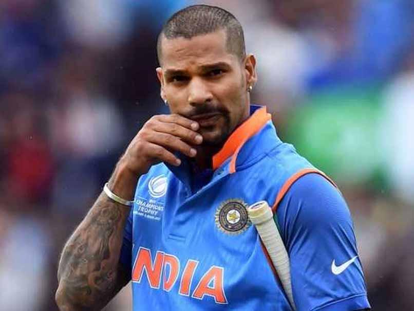 शिखर धवन ने रोहित शर्मा के साथ पहले विकेट के लिए 48 रनों की साझेदारी की. ये साझेदारी पोर्ट एलिजाबेथ में भारत की सबसे बड़ी ओपनिंग साझेदारी है. इससे पहले खेले पांच मैचों में भारत के ओपनर्स ने यहां कुल 39 ही रन बनाए थे.