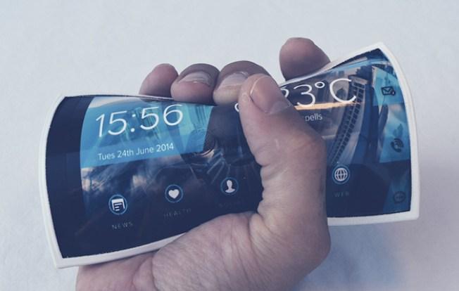 NEC Flip Phones: इस स्मार्टफोन को आप मोड़कर मुठ्ठी में बंद कर सकते हो.
