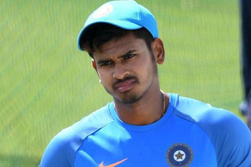 श्रेयस अय्यर भारत-बी के कप्तान होंगे जबकि विजय हज़ारे चैंपियन कर्नाटक की अगुवाई करूण नायर करेंगे. अश्विन देवधर ट्रॉफी के लिए चुने गए प्रमुख नाम है जबकि राष्ट्रीय वनडे चैंपियनशिप में अच्छा प्रदर्शन करने वाले अधिकतर खिलाड़ियों का चयन किया गया है.