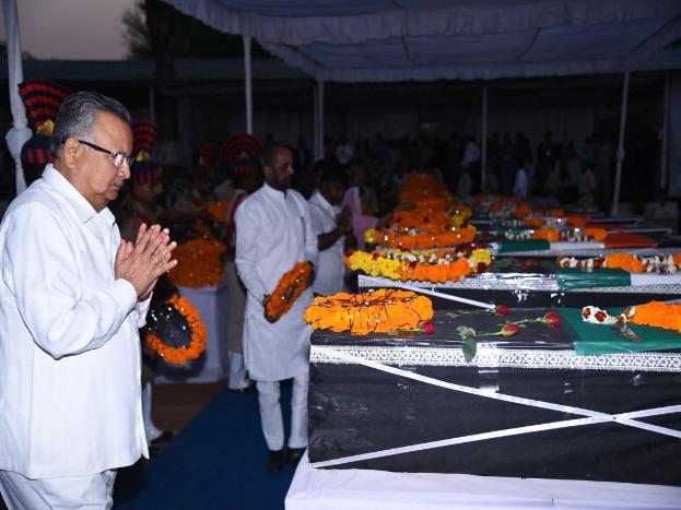 मुख्यमंत्री डॉ.रमन सिंह ने सुकमा में हुए नक्सली हमले की कड़ी निंदा की. फोटो क्रेडिट: राघवेंद्र साहू.