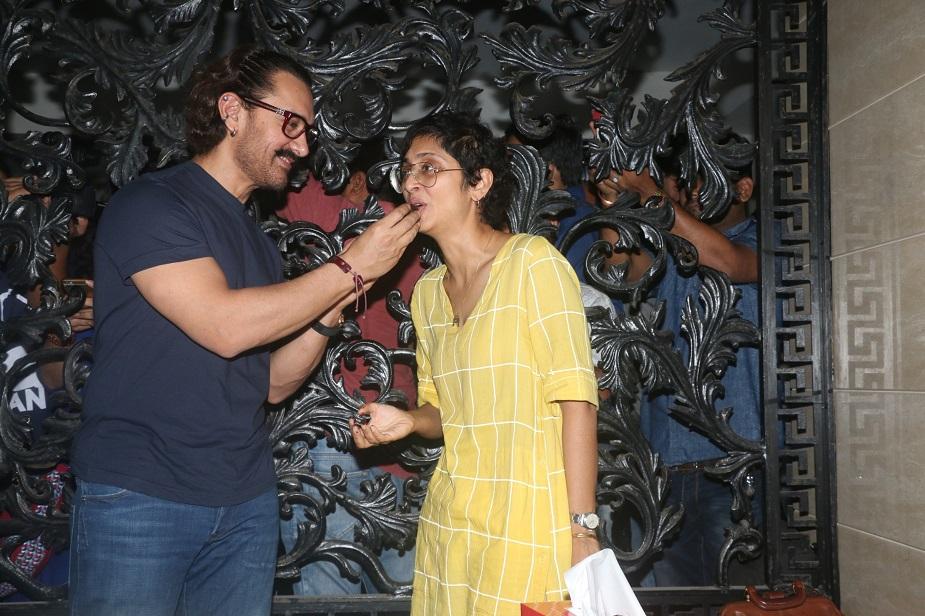 दरअसल आमिर हर साल अपने जन्मदिन पर मीडिया से रुबरु होते हैं और अक्सर वो मुंबई में इस दिन एक बड़ी अनाउंसमेंट करते हैं.