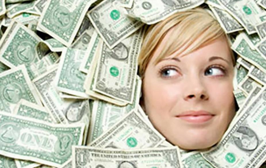सिंह राशि के लोगों के पास पैसा आसानी से आता है. पैसे की जरूरत हो और इनके पास कही से इंतजाम न हो पाए ऐसा बहुत कम देखने को मिलता है. दोस्त की मदद करने के लिए इस राशि के जातक अपने बचे हुए आखिरी पैसे तक दे देंगे.