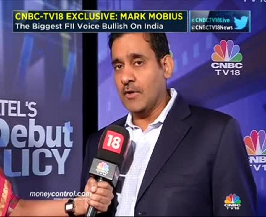 फाइनेंशियल सर्विसेज देने वाली कंपनी ब्रोकरेज हाउस इंडिया इंफोलाइन (IIFL) के प्रमुख निर्मल जैन भारत के सबसे नए अरबपति हैं. उनकी कंपनी करीब 1.3 लाख करोड़ रुपए के एसेट्स मैनेज करती है और पिछले 12 महीने में ही दोगुनी से भी अधिक हो गई है. ब्लूमबर्ग बिलियनर इंडेक्स में 1 अरब डॉलर (6500 करोड़ रुपए) की सम्पत्ति के साथ शामिल जैन ने हिंदुस्तान यूनीलीवर के साथ 1989 में नौकरी शुरू की थी. लेकिन कुछ कर गुजरने की छटपटाहट के कारण वे अधिक दिनों तक नौकरी नहीं कर सके और इस तरह शुरू हुआ आंत्रप्रेन्योर का सफर.
