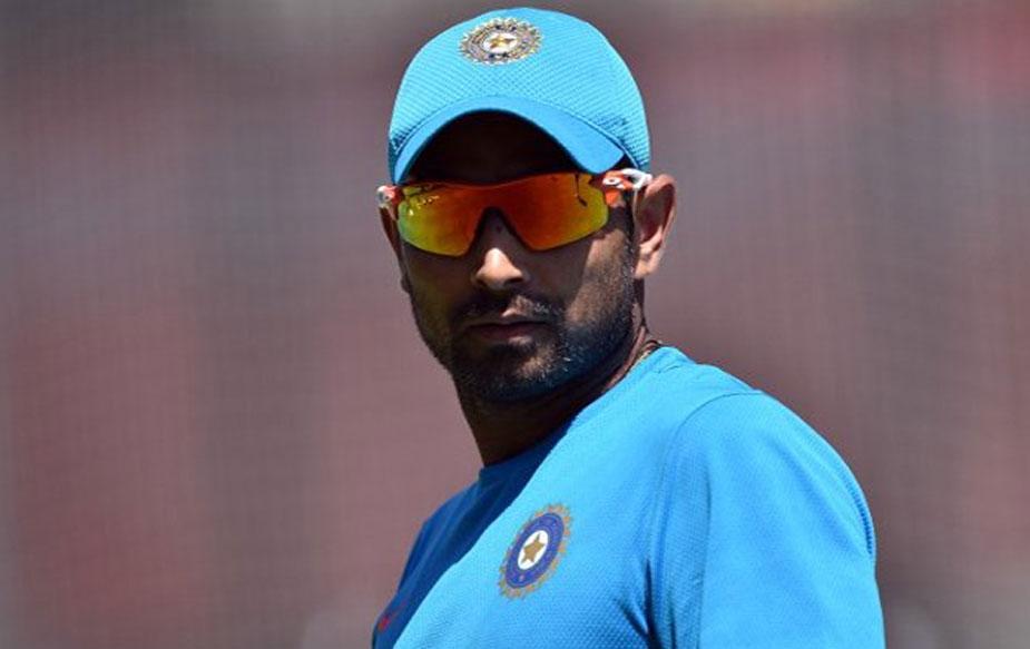 क्रिकेट संचालक समिति की ओर से दिए गए बयान में कहा गया है कि जब तक एंटी करप्शन यूनिट इस पूरे मामले की जांच नहीं कर लेती तब तक उनका कांट्रैक्ट होल्ड पर रहेगा.