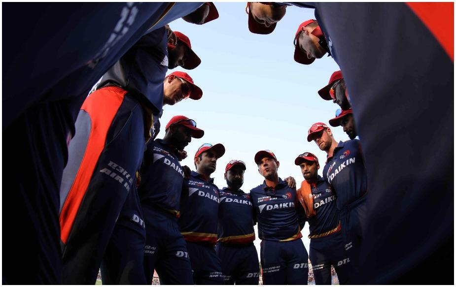 दिल्ली के फिरोजशाह कोटला में आईपीएल के 22वें मैच में दिल्ली डेयरडेविल्स और किंग्स इलेवन पंजाब की भिड़ंत होगी. इस समय आईपीएल 11 की प्वाइंट टेबल में पंजाब दूसरे नंबर पर तो दिल्ली सबसे नीचे है. मौजूदा सीजन में दिल्ली अपना पहला मैच अपने होम ग्राउंड पर खेलेगी. इस मैच में गौतम गंभीर कुछ ख़ास रिकॉर्ड अपने नाम करने के साथ ही क्रिस गेल की फेहरिस्त में शामिल हो जाएंगे. हर कोई जानता है कि आईपीएल के अधिकांश रिकॉर्ड गेल के नाम हैं.