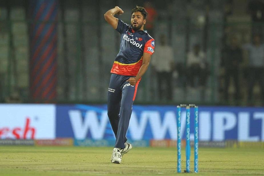 आईपीएल में सोमवार रात को एक और नए स्टार का उदय हुआ. इस बार करिश्मा किसी युवा बल्लेबाज ने नहीं, बल्कि रफ्तार से कहर बरपाने वाले गेंदबाज ने किया है. दिल्ली डेयरडेविल्स के इस क्रिकेटर के करियर को गढ़ने में राहुल द्रविड़ से लेकर ग्लेन मैक्ग्रा का अहम रोल रहा है. (IPLT20)