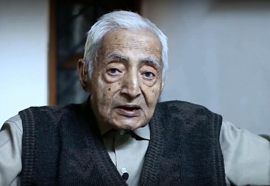 राम कुमार का जन्म 1924 में शिमला हुआ था. उनके पिता ब्रिटिश सरकार के कर्मचारी थे. राम कुमार ने दिल्ली के सेंट स्टीफेंस कॉलेज से इकोनॉमिक्स में अर्थशास्त्र की पढ़ाई की.