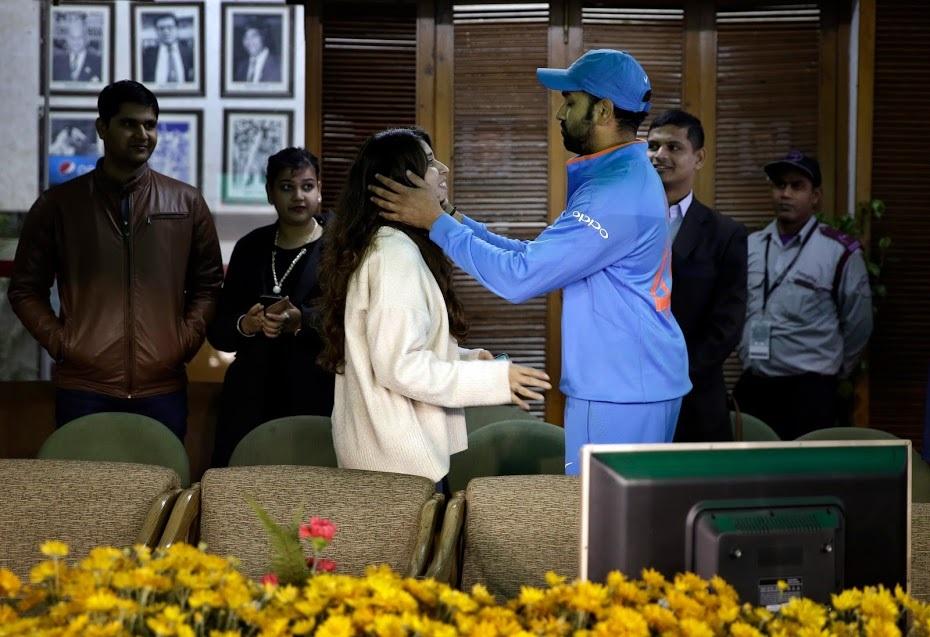 रोहित शर्मा ने इसके पहले मोहाली में वनडे में तीसरा दोहरा शतक जमाया था, तब रितिका के आंसू निकल आए थे.