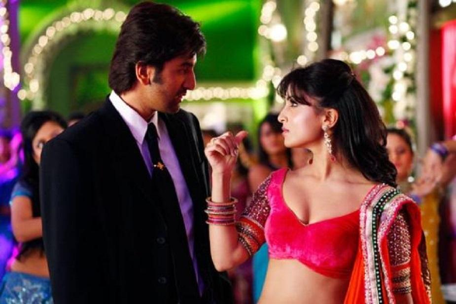 बेशर्म (2013)-रणबीर कपूर की ये फिल्म 75 करोड़ के बजट से बनी थी लेकिन आॅडियंस को सिनेमा हॉल तक खींचने में नाकाम रही.