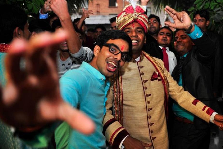 अक्सर भारतीय दुल्हे चीन में ही परंपरागत तरीके से शादी भी करना पसंद करते हैं. वो भारत से अपने रिश्तेदारों, पुजारी और केटरिंग करने वालों को बुला लेते हैं. चीनी लड़कियां भारतीय लड़कों को इसलिए भाती हैं. इसकी वजह ये भी है कि वो आमतौर पर पढीलिखी और ओपन होती हैं.