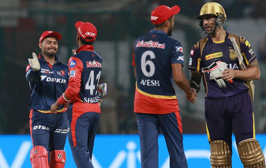 आपको बता दें कि आईपीएल-11 में ये दिल्ली की 7 मैचों में दूसरी जीत थी. अब दिल्ली टेबल में 4 अंकों के साथ 7वें नंबर पर है. दिल्ली को प्लेऑफ में जगह बनाने के लिए बचे हुए लगभग सभी मैचों को जीत हासिल करनी होगी. (BCCI)