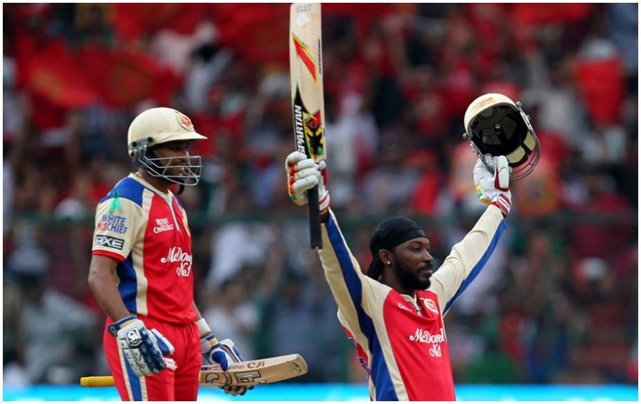 इस सूची में तीसरा नंबर एक बार फिर क्रिस गेल का ही है. गेल ने दिल्ली डेयरडेविल्स के खिलाफ 17 मई 2012 को 128 रन की पारी में 13 छक्के जमाए थे.
