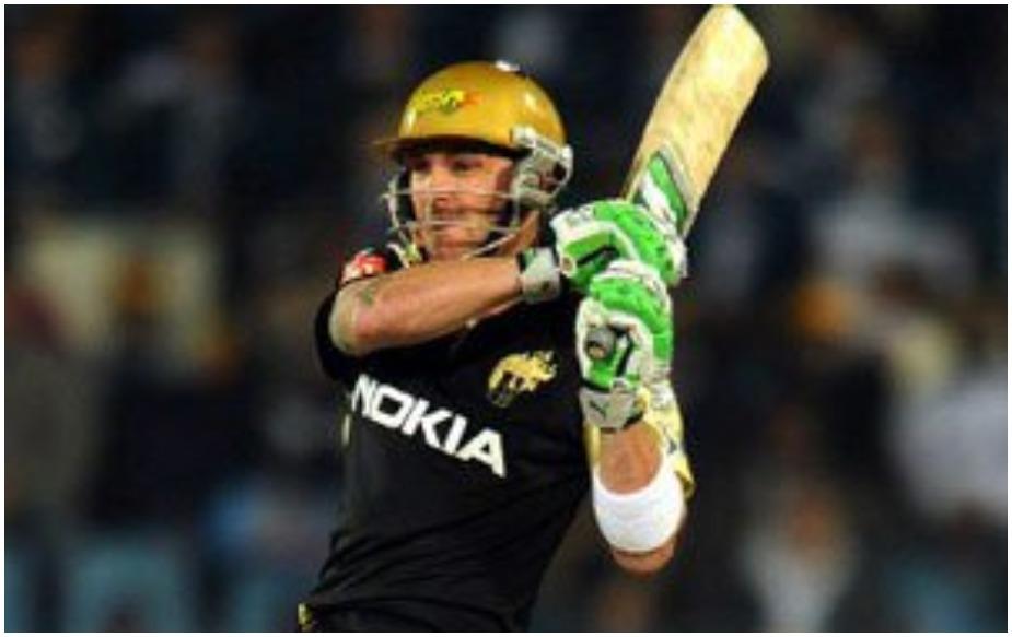 एक पारी में सर्वाधिक सिक्सर जमाने की सूची में दूसरा नंबर भी विदेशी खिलाड़ी ब्रेंडन मैक्कलम का ही है. मैक्कलम ने 18 अप्रैल 2008 को रॉयल चैलेंजर्स बेंगलुरु के खिलाफ 158 रन की पारी में 13 सिक्सर ठोके थे.