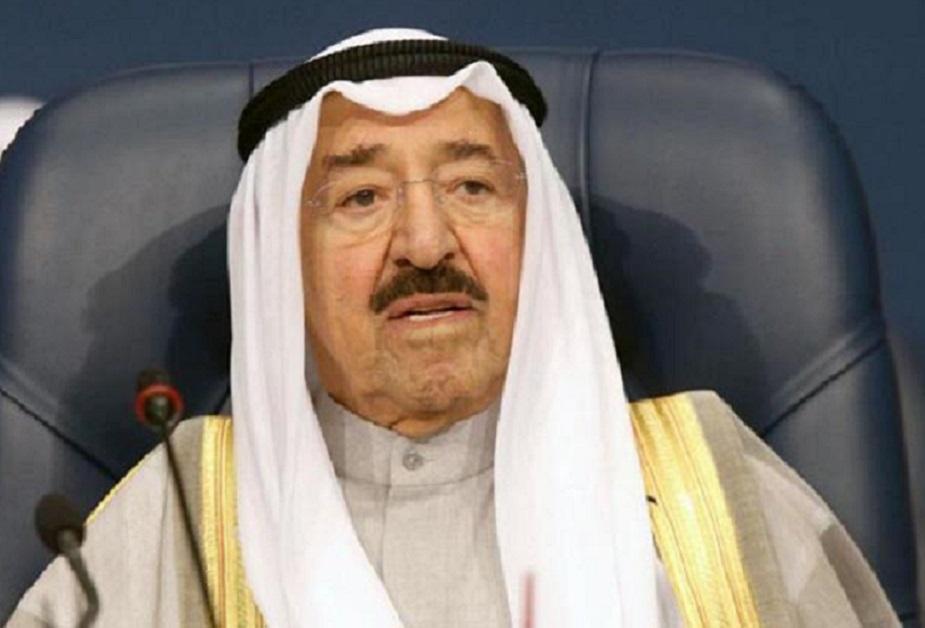 कुवैतः 1752 से अल सबह परिवार यहां का शासक है. हालांकि कुवैत खाड़ी का बहुत छोटा सा देश है. इस देश की भी अपनी सरकार है और अपने कानून लेकिन जार्डन की ही तरह यहां किंग ही सबकुछ है. उसकी आवाज ही सरकार की आवाज है. यहां के किंग को अमीर कहा जाता है. अल अहमद अल जबर अल सबह कुवैत के अमीर हैं.
