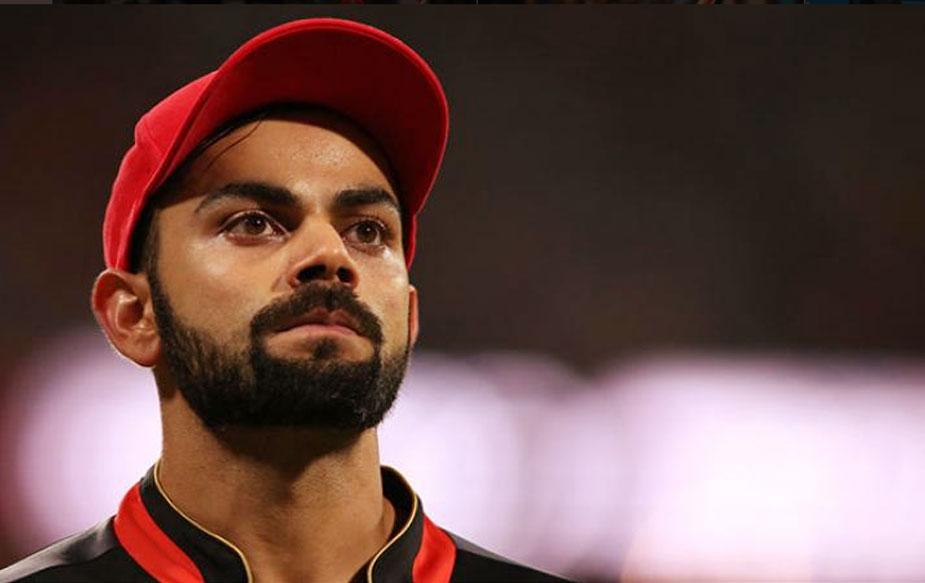 रॉयल चैलेंजर्स बेंगलोर के कप्तान विराट कोहली ने मुंबई के खिलाफ 92 रन की शानदार पारी खेली और आईपीएल के इतिहास में सबसे ज़्यादा रन बनाने वाले खिलाड़ी बन गए. लेकिन इसके बावजूद बेंगलोर को हार का सामना करना पड़ा. होमग्राउंड पर मुंबई इंडियंस ने रॉयल चैलेंजर्स बेंगलोर को 46 रनों से हराया. साथ ही विराट मैदान पर गुस्से में भी दिखे.