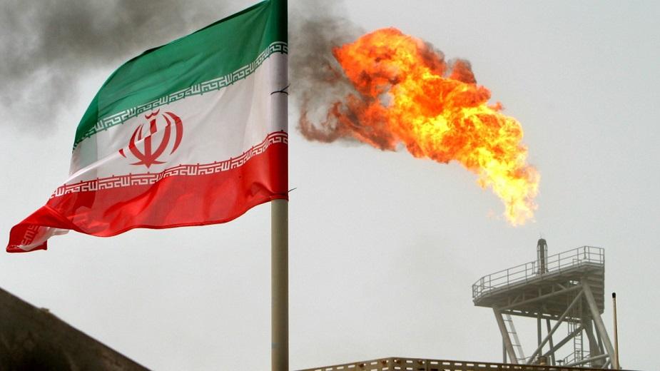 इरान में एक लीटर पेट्रोल की कीमत 23.43 रुपए है. यह भी अपनी जरूरत से काफी अधिक क्रूड का उत्पादन करता है. इसलिए यह क्रूड का निर्यात करता है.