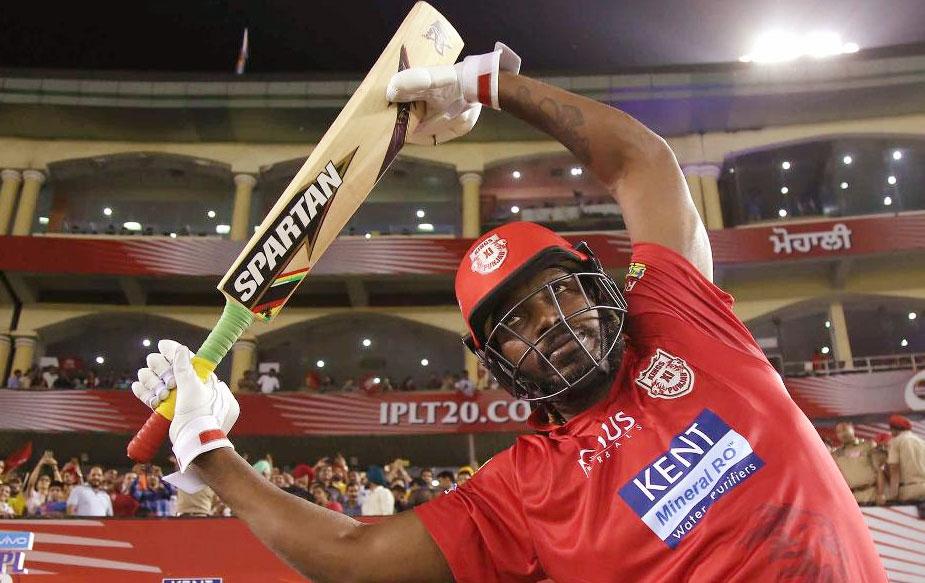 आईपीएल नीलामी में गेल दो बार नहीं बिक पाए थे जिसके बाद किंग्स इलेवन पंजाब ने उन्हें दो करोड़ रुपये के उनके आधार मूल्य पर खरीदा. किंग्स इलेवन पंजाब की टीम अपना अगला घरेलू मैच सनराइज़र्स हैदराबाद के खिलाफ खेलेगी. (BCCI)