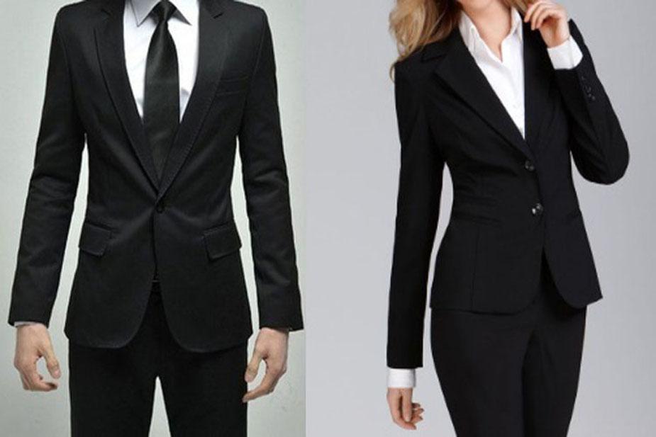 भारत में 1961 में वकीलों के लिए काला कोट अनिवार्य कर दिया गया था. काला कोट अनुशासन आत्मविश्वास का प्रतीक माना जाता है.