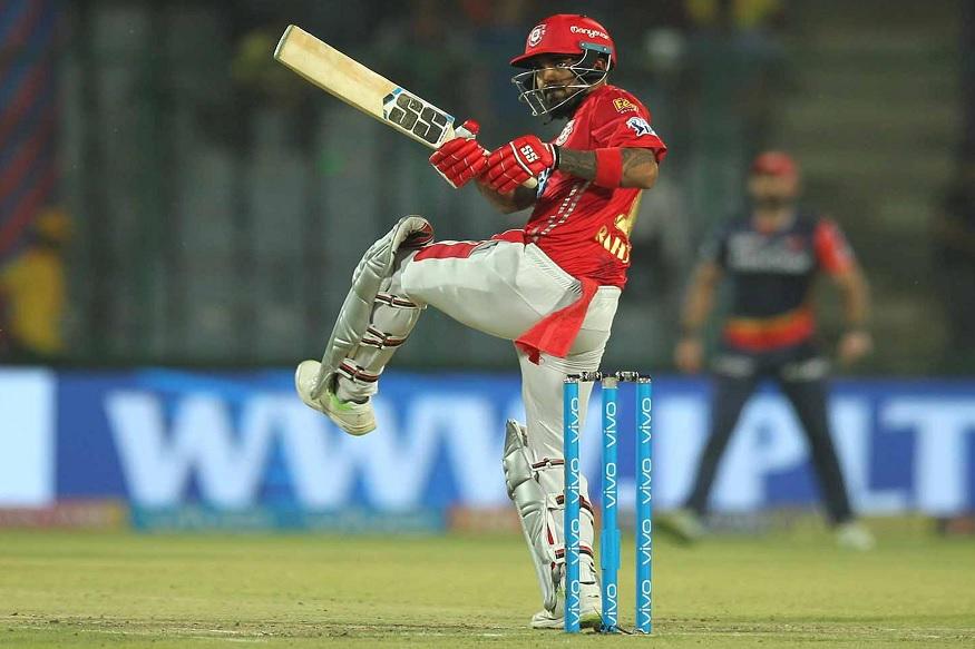 केएल राहुल ने 24 रन की पारी खेली. इस पारी के दौरान दो सिक्सर जमाने वाले राहुल का नाम रिकॉर्ड बुक में दर्ज हो गया.