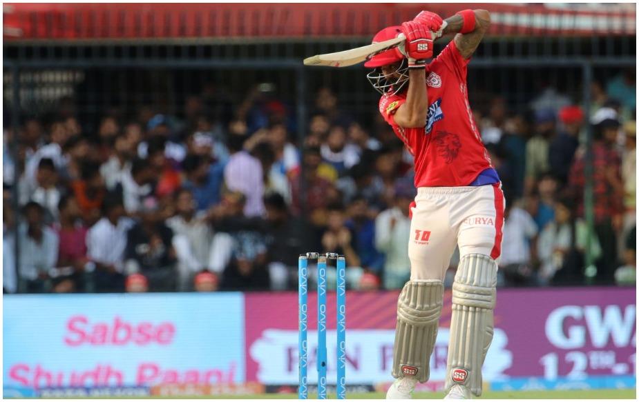 के एल राहुल- इस बल्लेबाज को टेस्ट मैच प्लेयर का तमगा दिया जा चुका था लेकिन पंजाब के लिए खेलते हुए राहुल ने आईपीएल में पहली बार 500 से ज्यादा रन बना डाले. राहुल ने आईपीएल 11 में 5 अर्धशतक की मदद से 558 रन बनाए हैं.(IPLT20.COM)