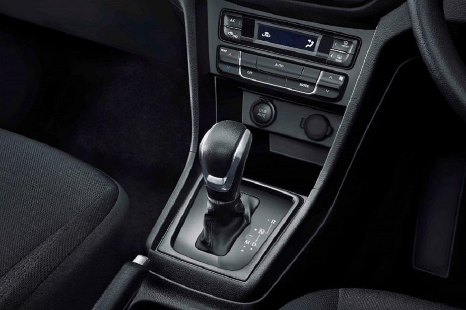 भारतीय बाजार में मारुति की यह कार Ford EcoSport के टाइटेनियम+ AT (ऑटोमैटिक ट्रांसमिशन) वैरिएंट और हाल में लॉन्च हुई टाटा नेक्सॉन XZA+ AMT को टक्कर देगी.