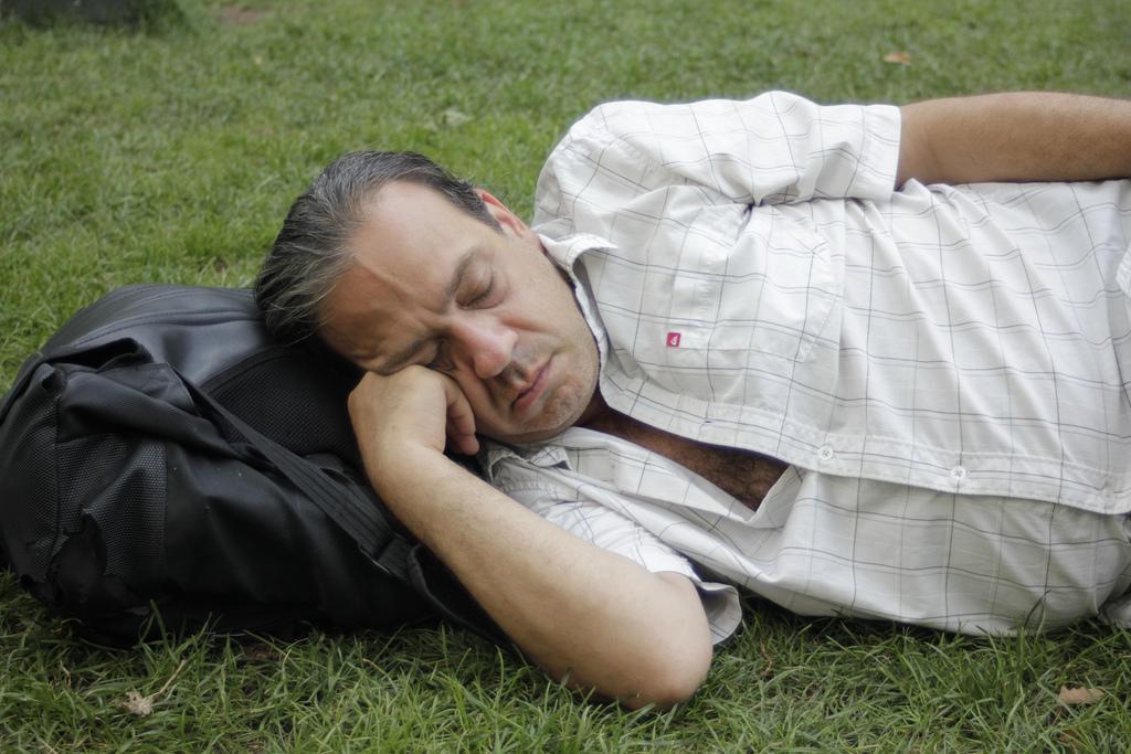 ये रिसर्च साफ करती है कि नींद का वीर्य और शुक्राणुओं की क्वालिटी से गहरा संबंध है. जर्नल ऑफ़ स्लीप रिसर्च में प्रकाशित इस शोध से नींद और वीर्य का संबंध स्पष्ट हो जाता है.