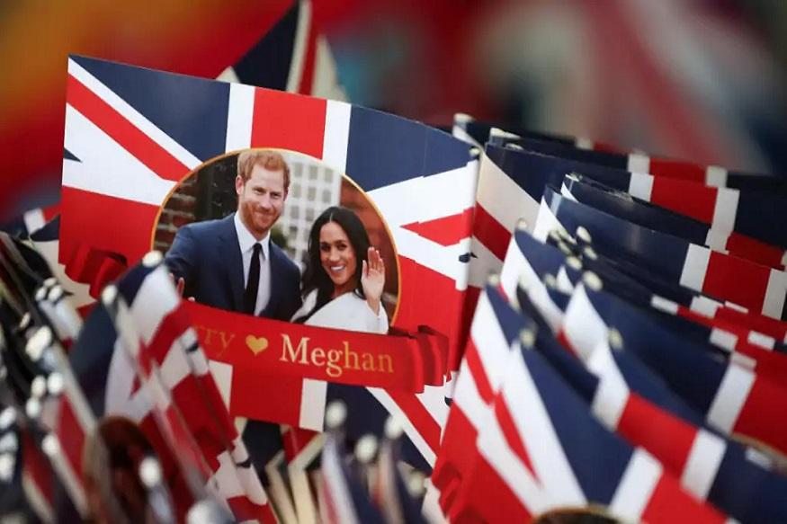 ब्रिटेन के प्रिंस हैरी की 19 मई को अमेरिकी अभिनेत्री मेगन मर्केल से शादी होनी है. शादी का समारोह ब्रिटेन के विंडसर कैसल चर्च में होगा. 600 मेहमानों को वेडिंग सेरेमनी का न्योता दिया गया है. मेहमानों का स्वागत तो भव्य होगा, लेकिन शर्तें लागू हैं. इन्विटेशन कार्ड में ही मेहमानों के लिए 7 शर्तों का भी जिक्र है. अगली स्लाइड में जानिए खाने पर कितना खर्च होता है...