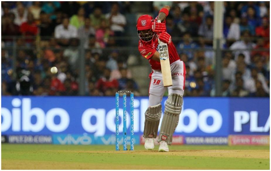 के एल राहुल एक सीजन में चेज करते हुए सबसे ज्यादा अर्धशतक लगाने वाले भारतीय बल्लेबाज बन गए हैं. इससे पहले ये रिकॉर्ड रोहित शर्मा के नाम है जिन्होंने साल 2016 में 5 अर्धशतक लगाए थे.iplt20.com)