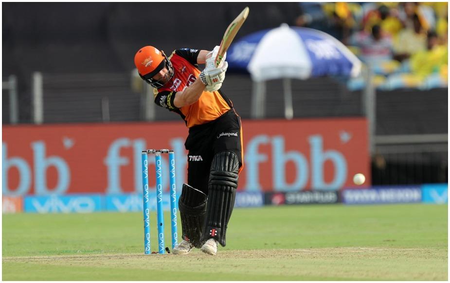 केन विलियमसन- डेविड वॉर्नर की गैरमौजूदगी में विलियमसन को हैदराबाद की कप्तानी सौंपी गई और उन्होंने इस टीम को आगे से लीड किया. विलियमसन ने 7 अर्धशतकों की मदद से अबतक 544 रन बना लिए हैं. 500 से ज्यादा रन बनाने वाले खिलाड़ियों में उनका सबसे ज्यादा 60.44 का औसत है.(IPLT20.COM)