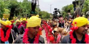 भिलाई प्रवास के दौरान पीएम मोदी का स्वागत लोक पारंपरिक तरीके से किया गया.