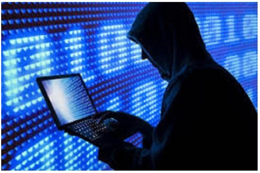 """अगर आप मोबाइल इस्तेमाल करते हैं तो अलर्ट हो जाइए. दो खतरनाक वायरस आपकी बैंक की निजी जानकारी पर आंखें गड़ाए हुए हैं. इस बात का खुलासा ग्लोबल आईटी सिक्योरिटी फर्म Quick Heal ने किया है. ये वायरस यूजर के मोबाइल में घुसकर गुप्त डेटा जैसे बैंक डिटेल को चुरा लेते हैं. इस बारे में Quick Heal ने चेतावनी जारी की है. Quick Heal के एक्सपर्ट्स ने दो वायरस """"Android.Marcher.C"""" और """"Android.Asacub.T"""" का पता लगाया है. ये दोनों ही वायरस फोन में WhatsApp, Facebook, Skype, Instagram और Twitter के साथ बैंकिंग ऐप के नोटिफिकेशन की नकल करते हैं."""