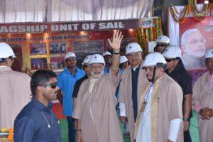 प्रधानमंत्री नरेन्द्र मोदी ने भिलाई स्टील प्लांट का भी दौरा किया. पंडित जवाहर लाल नेहरू के बाद मोदी दूसरे प्रधानमंत्री थे, जिन्होंने प्रधानमंत्री रहते प्लांट के भीतर गए.