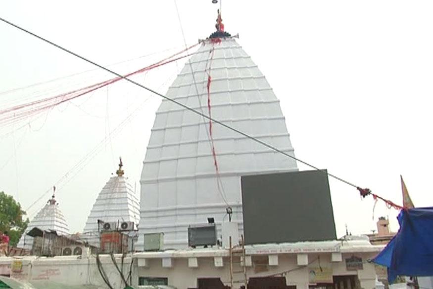 देवघर में बाबा बैद्यनाथ का मंदिर