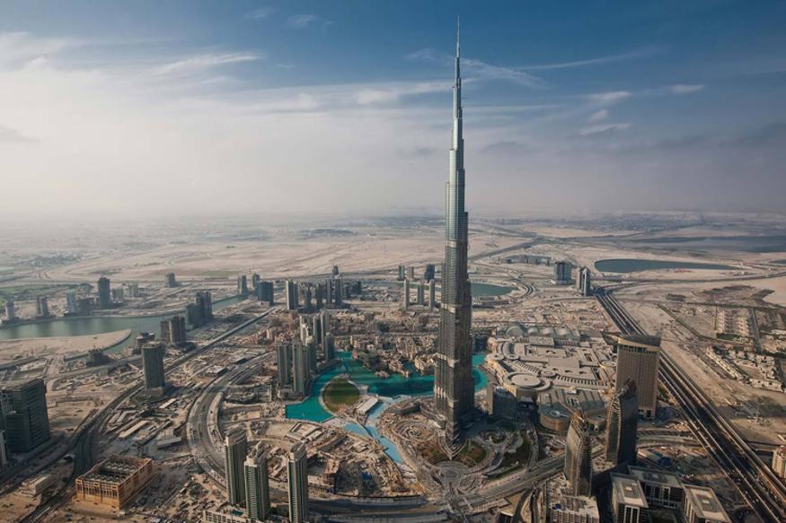 दुबई की बुर्ज खलीफा दुनिया की सबसे ऊंची इमारत है और उसके बाद विश्व की सबसे ऊंची बिल्डिंग है चीन की द शंघाई टॉवर. चीन की ये सबसे ऊंची बिल्डिंग दुनिया की दूसरी सबसे ऊंची बिल्डिंग है. इससे ज्यादा उंचाई सिर्फ दुबई के बुर्ज खलीफा की है. तस्वीरों में देखिए इसकी खूबियां.