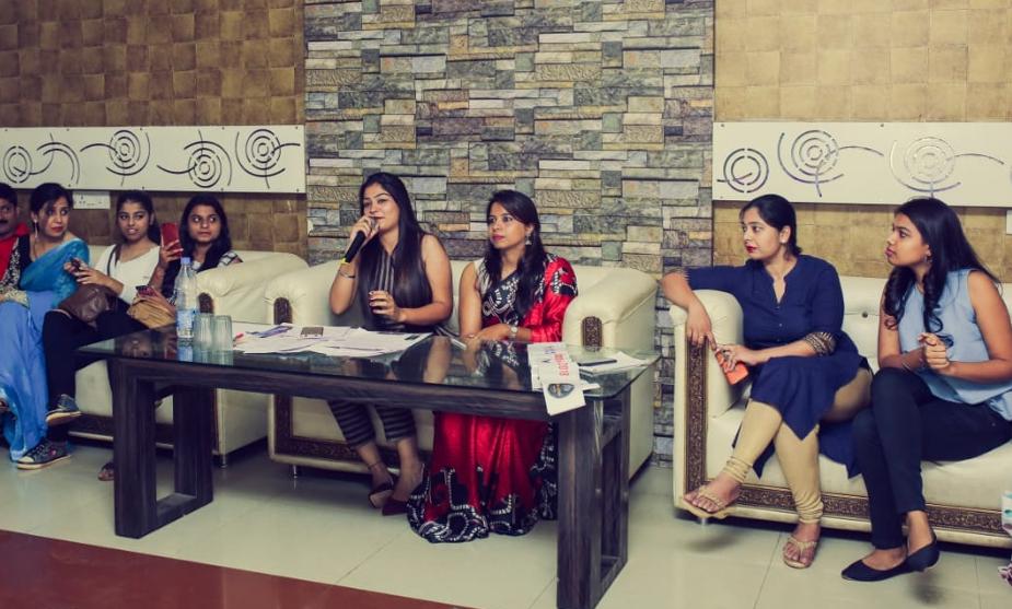 आॅडिशन में जज के भूमिका में अविनाश कौर (मिस इंडिया खादी 2017) उपस्थित थी. उनका साथ दिया कलिंगा विश्वविद्यालय की शैल साहू ने दिया.