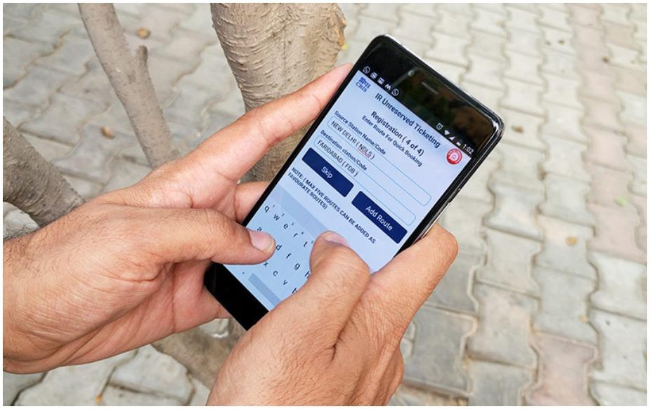 अगर यूजर किसी फ्रॉड ट्रांजेक्शन के लिए रिपोर्ट नहीं भी करता है तो भी मोबाइल वॉलेट कंपनी को रिफंड देना होगा. अगर किसी फ्रॉड ट्रांजेक्शन की जानकारी 4 से 7 दिन के भीतर कर दी जाती है तो कंपनी द्वारा यूजर को ट्रांजेक्शन वैल्यू या 10,000 रुपये (जो भी कम हो) वापस देनी होगी.