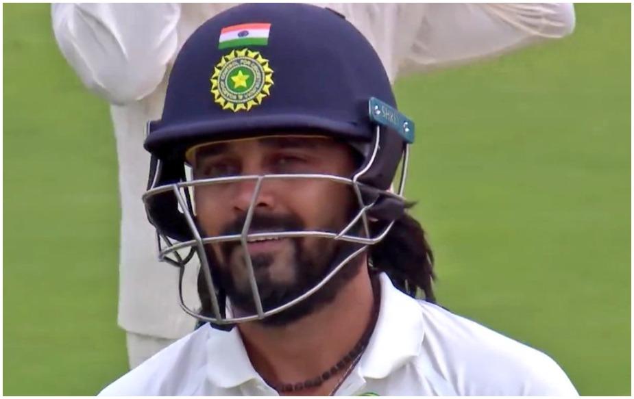 मुरली विजय पिछले काफी समय से बेहद खराब फॉर्म में हैं. पिछली 10 टेस्ट पारियों में वो अर्धशतक तो छोड़िए 6 पारियों में दहाई के अंकों को नहीं छू सके हैं. दूसरी पारी में मुरली विजय का रिकॉर्ड और घटिया है. पिछले 10 टेस्ट की दूसरी पारी में उनका सर्वाधिक स्कोर महज 25 है.